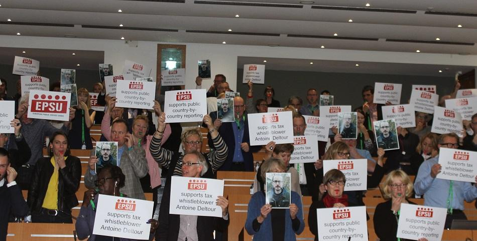 EPSU Executive Committee members support Luxleaks whistleblower Antoine Deltour