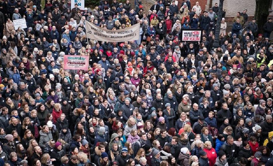 7 November Latvia health care action