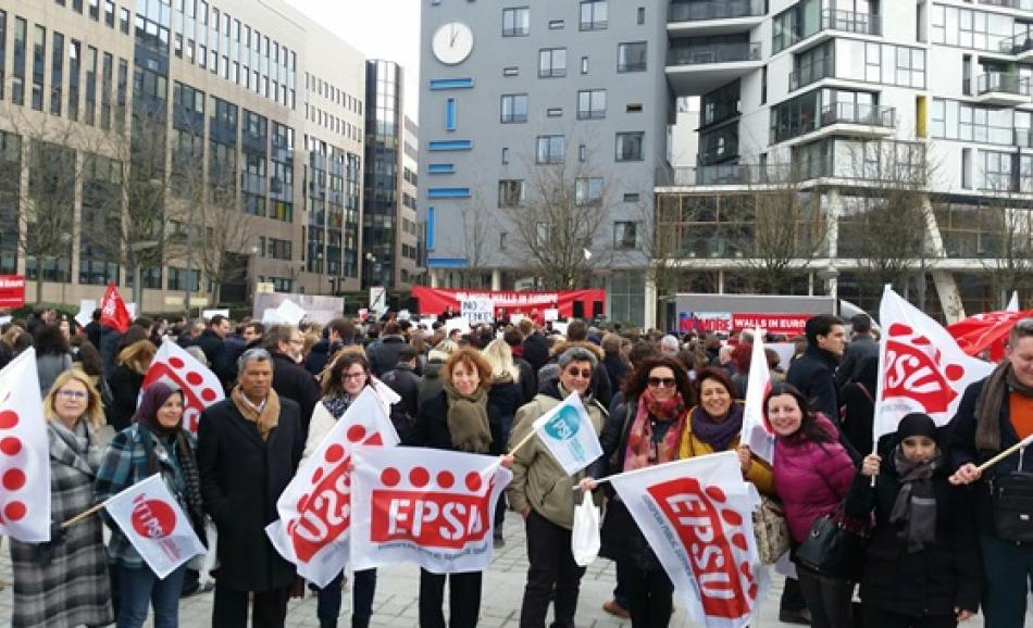 16 March 2016, Brussels - No more walls in Europe action