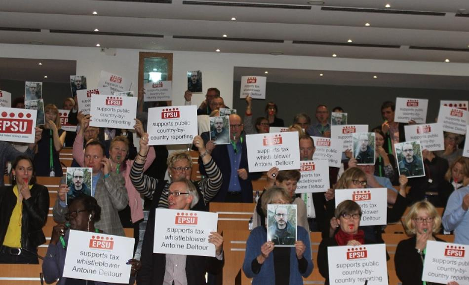 EPSU Executive Committee members support Luxleaks whistleblower Antoine Deltour