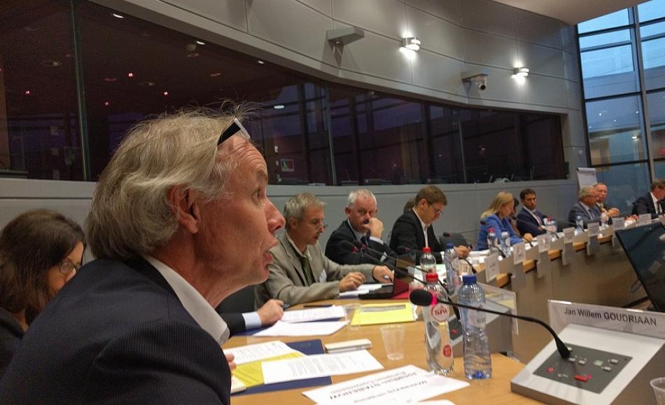 EPSU GS JW Goudriaan speaking at EC roundtable on digital policy