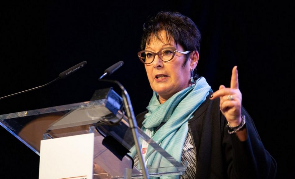 Rosa Pavanelli PSI General Secretary speaking at EPSU Congress