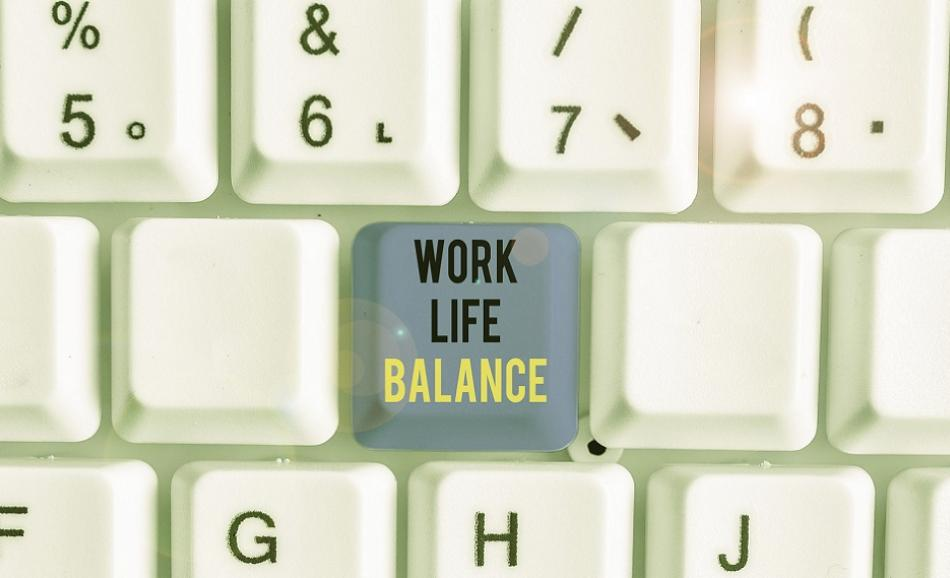 worklife balance keyboard ©CanStockPhoto artursz 950px web