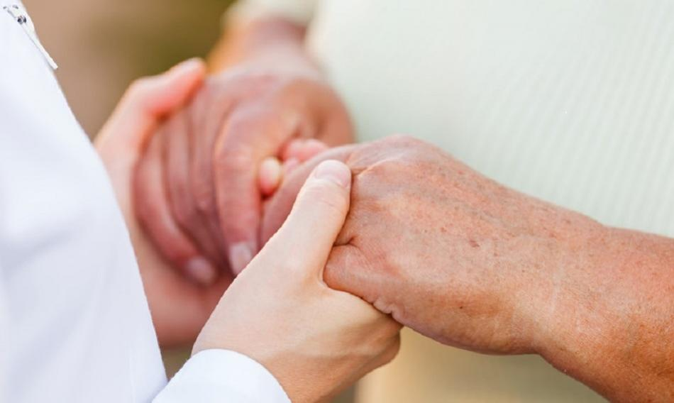 ©CanStockPhoto obencem Giving helping hands for elderly people - social care