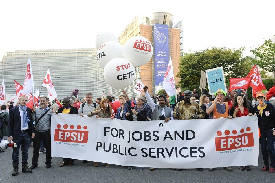 EPSU no to CETA demo on 20 September 2016, rond-point Schuman, Brussels