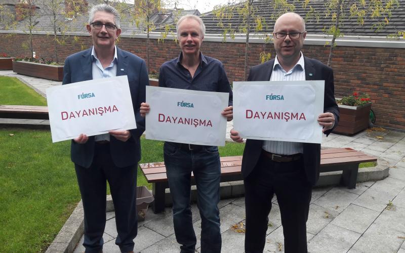 Kevin Callinan, Eion Ronayne, JW Goudriaan in Dublin expressing solidarity for strike Izmir 310 (KESK, DISK
