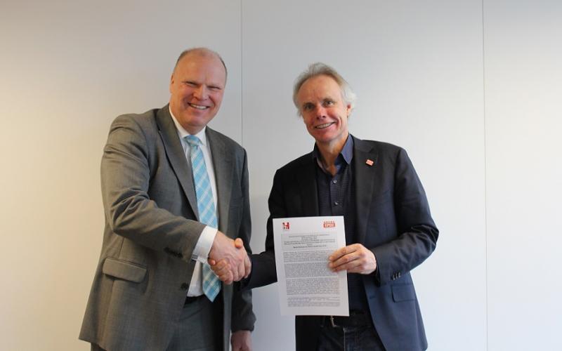 HOSPEEM Secretary General Tjitte Alkema and EPSU General Secretary Jan Willem Goudriaan