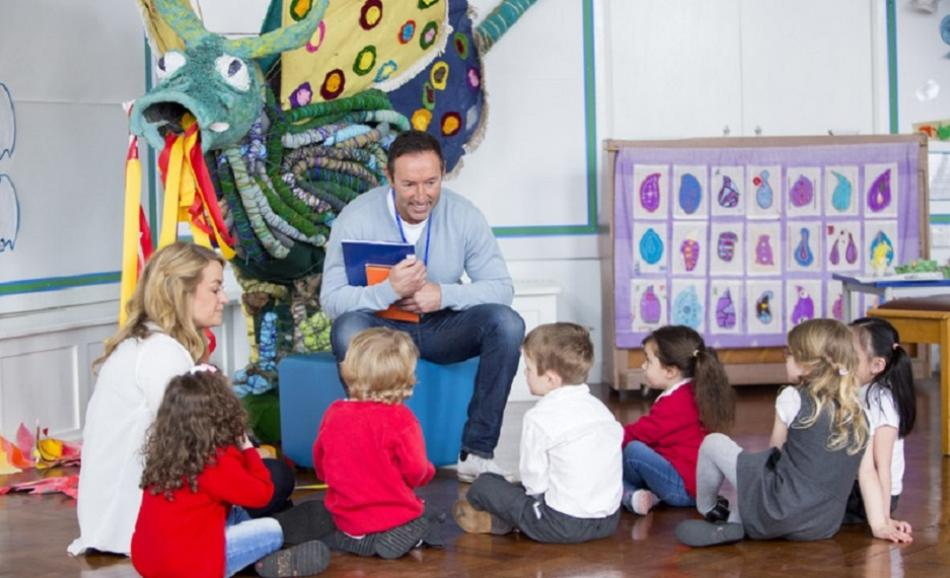 ©CanStockPhoto - Storytime at Nursery - DGLimages