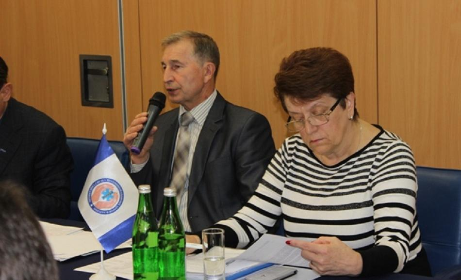 Health Care Reform Seminar Ukraine 15&16 May 2017 Kyiv - Grigory Osoviy, Chairman of the FPU (left), Viktoria Kova, Chairmain of Ukrainian Trade Union of Health Workers (right)