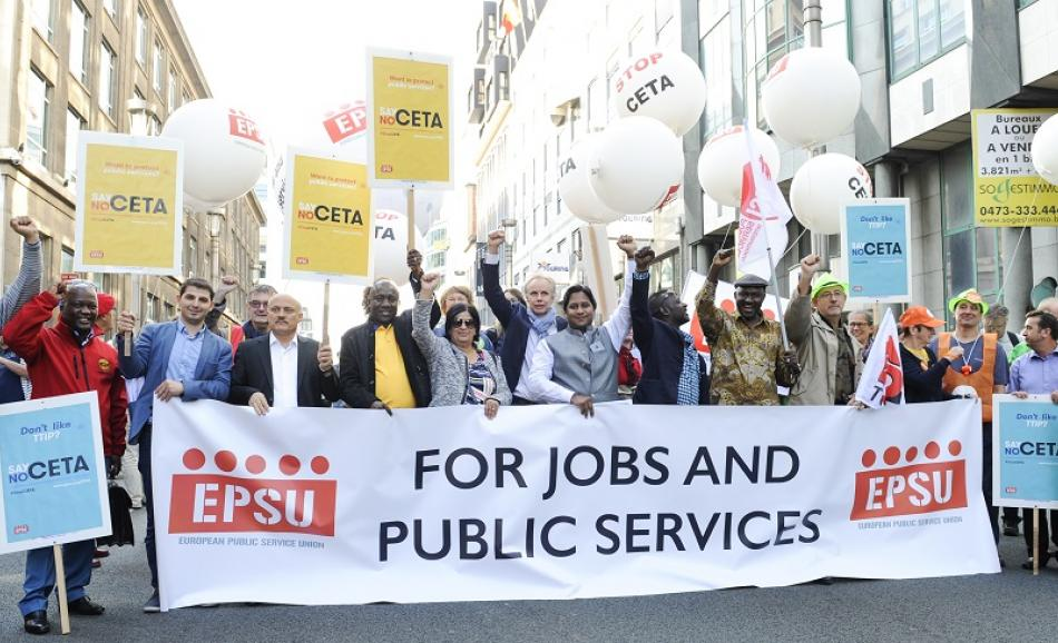 EPSU members joined the No to CETA demo in Brussels on 20 September 2016