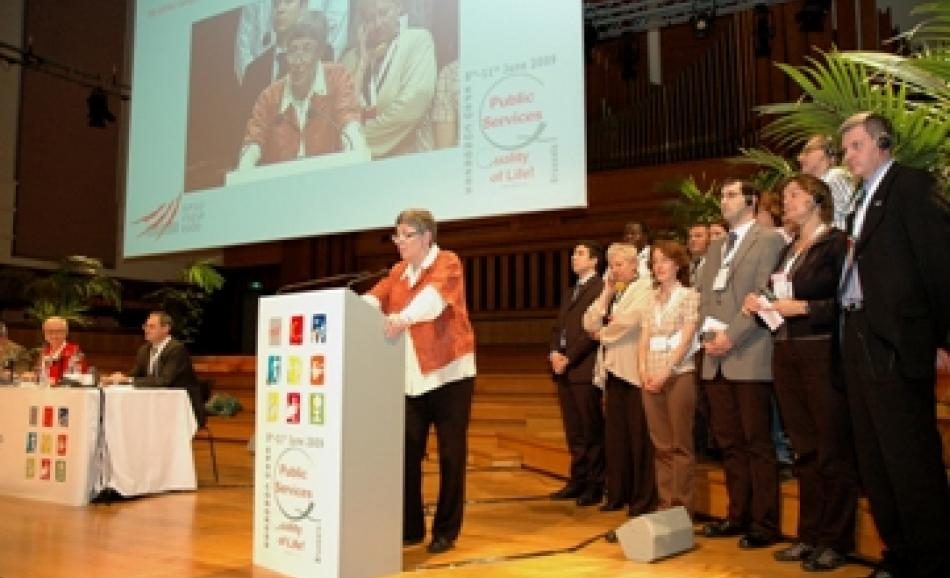 EPSU President Anne-Marie Perret closes congress as 'action point' delegates watch on