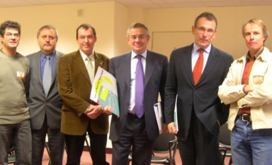 D.Bauer, CGT-FNME, R.Gal, VDSZSZ, S. Bergelin, Ver.di, M. Wickx and A. Piebalgs, J.W.Goudriaan, EPSU