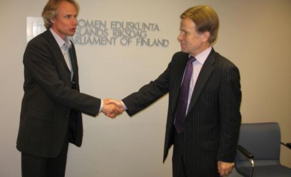 Mr Mauri Pekkarinen, Minister of Trade and Industry and J.W. Goudriaan, EPSU Deputy General Secretary, 12 September 2006