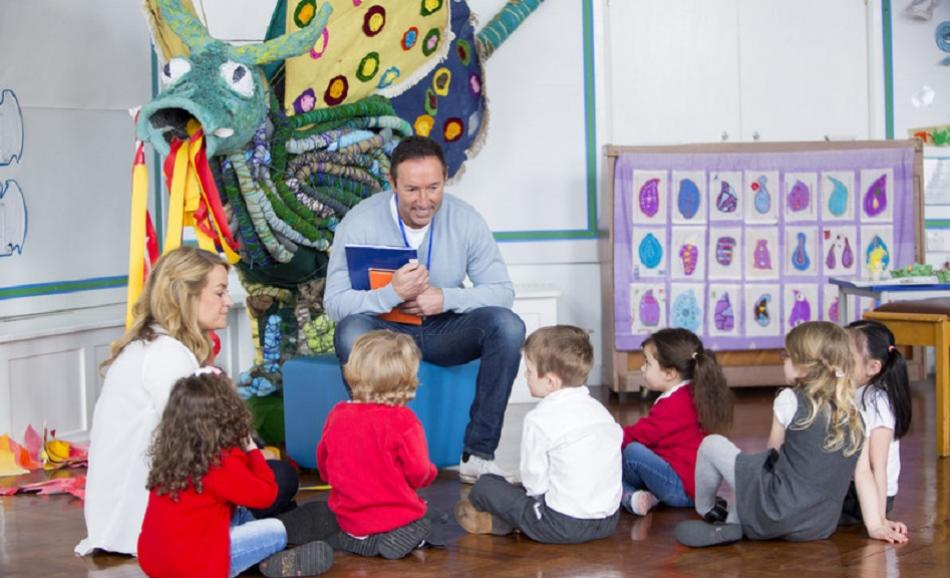 ©CanStockPhoto Storytime at Nursery - DGLimages