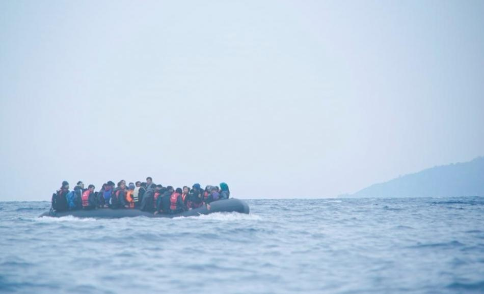 migrants refugees boat