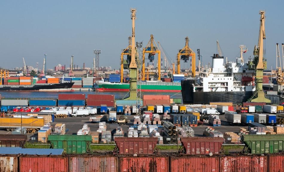 © Can Stock Photo / photostocker see trading port containers
